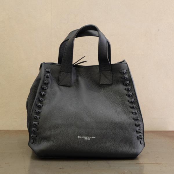 pulsante per acquistare gianni chiarini borsa a spalla nero