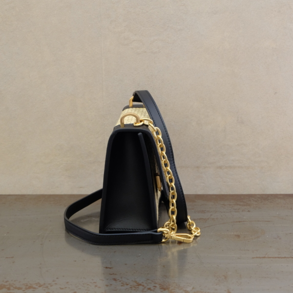 pulsante per acquistare borsa donna gianni chiarini tracolla terese