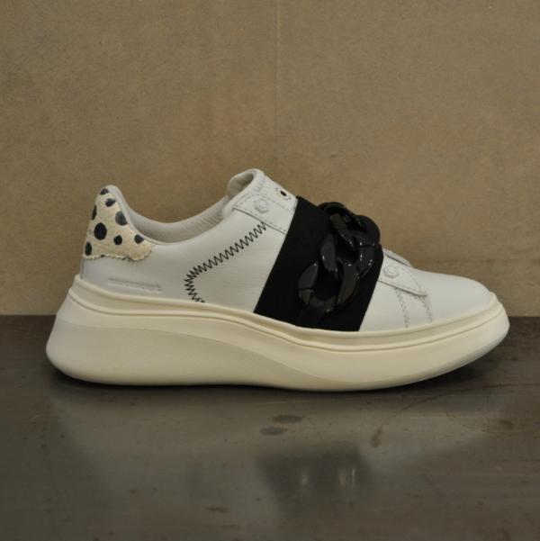 pulsante per acquistare sneaker moa 1508