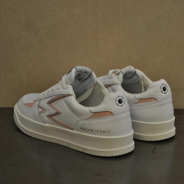 pulsante per acquistare sneaker moa master legacy mg 18