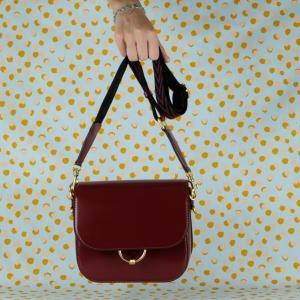 gianni chiarini borsa a tracolla in pelle lucida colore rosso cabernet