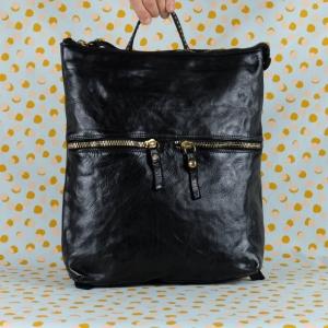 Pratico, essenziale e allo stesso glamour. Campomaggi Zaino Eugenia è tutto Made in Italy. Scoprilo sul nostro shop online.