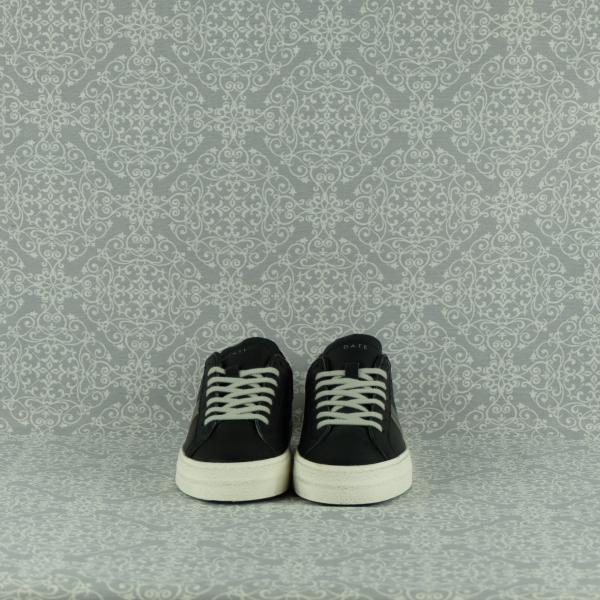 D.A.T.E. sneaker donna hill low vintage calf black in pelle colore nero e tallone in tessuto leopard. Suola in gomma, rialzo interno cm 2,5